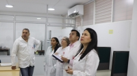 Sector empresarial visita laboratorios universitarios